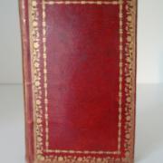 Un maroquin rouge à dentelles du début du XIXe siècle